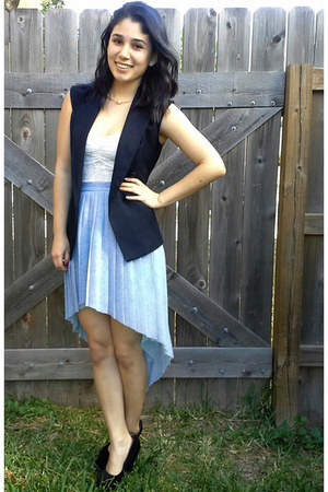 light blue high low thrifted skirt - navy sleeveless thrifted blazer
