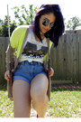 Black-sunglasses-white-beatles-thrifted-t-shirt