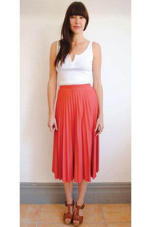 Curator skirt