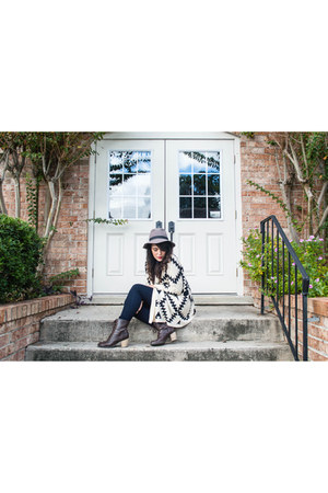 amsterdam cardigan - DSW boots - GoJane jeans - gray fedora cotton on hat