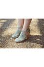 Seychelles-shoes-floral-skirt-forever-21-skirt