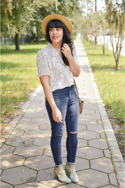 floral top vintage top - Seychelles shoes - abercrombie and fitch jeans