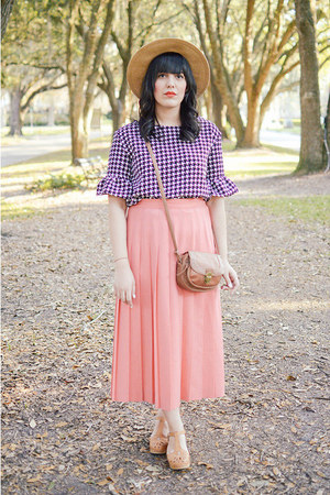 houndstooth top Sheinside top - lacy sandals Swedish Hasbeens clogs