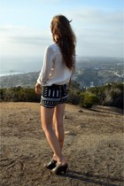 black Anthropologie shorts - tawny madewell bag - bronze copper bracelet