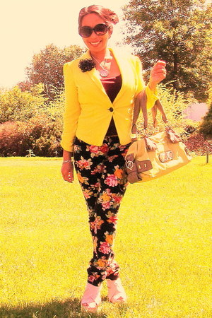 black floral Mudd pants - yellow Candies blazer