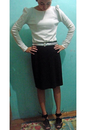 white top - black shoes - silver belt - black skirt
