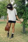 Thrifted-shirt-vintage-scarf-vintage-bag-old-navy-shorts