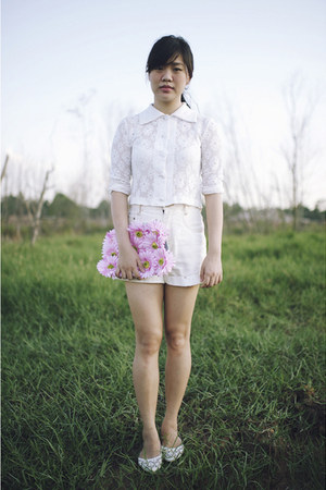 bubble gum bag - white vintage Esprit shorts