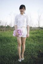 bubble gum bag - white vintage Esprit shorts