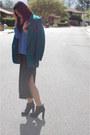 Black-dolce-vita-boots-black-high-slit-gap-dress