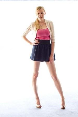 Maurices cardigan - peep-toe pumps - mini Miley Cyrus Maz Azria skirt