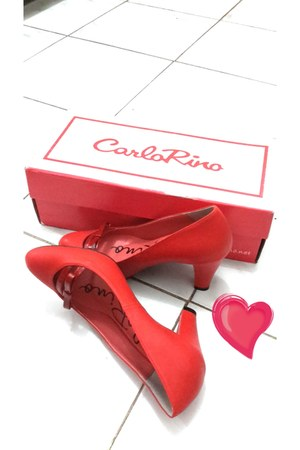 red shoes Carlo Rino heels