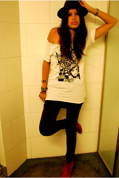thrifted shirt - Terranova leggings - Zara boots - hat