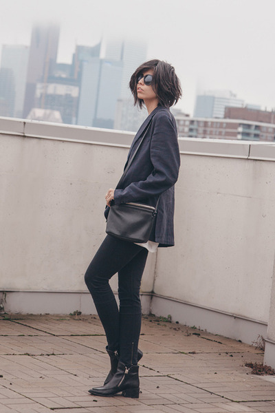 black zipper Zara boots - black 8 skinny Blk Dnm jeans