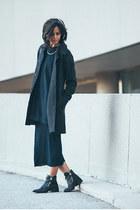 navy rib knit American Apparel dress - black zipper Zara boots
