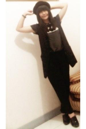 black bowler hat unbranded hat - black ankle boots unbranded heels - dark gray b