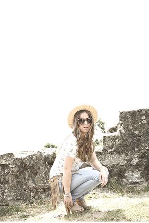 Uterque jeans - Zara top - vintage belt - vintage hat - Primark belt - H&M sungl