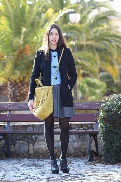 sky blue cotton chicnova sweater - black wool Blunauta coat
