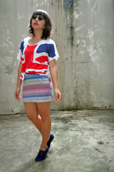union jack shirt - Freeway skirt - suede Forever 21 loafers - glasses