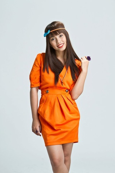 carrot orange cocco dress - turquoise blue bow headband Quirky Finds accessories