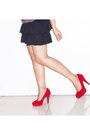 Charcoal-gray-loose-crop-top-oxygen-top-black-shopaholic-skirt-red-suede-mnl