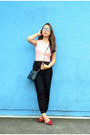 Black-quilted-mango-bag-light-pink-crop-top-sm-gtw-top-black-cotton-on-pants
