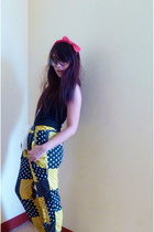 red bow headband accessories - yellow patterned pants