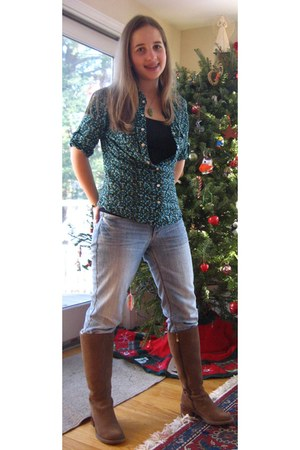 bronze Rockport boots - heather gray Aeropostale jeans - blue Hollie top - chart