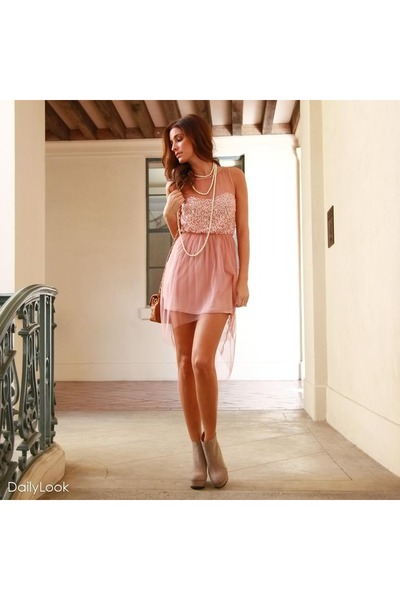 light pink sequined dress Lush dress - neutral booties Quipid boots