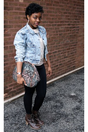 Chelsea Crew boots - denim jacket jordache jacket - thrifted vintage bag - Haraj