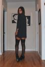 Black-stockings-gray-h-m-dress