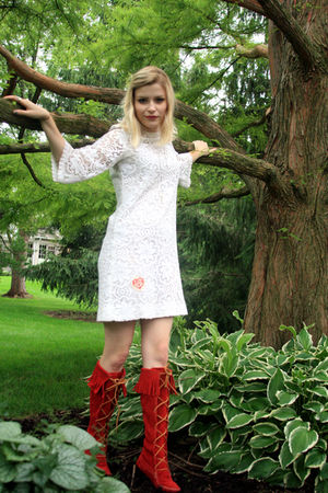 red lace up Minnetonka boots - white 60s lace vintage dress