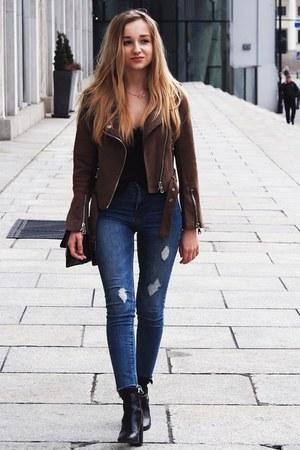 blue Pull & Bear jeans