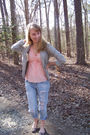 Pink-thrifted-shirt-blue-american-eagle-jeans-gray-anthropologie-blazer-br