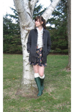 Urban Outfitters boots - Gap jacket - Forever 21 scarf - Target socks - J Crew t