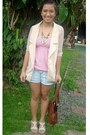 Nude-blazer-brown-bag-light-blue-shorts-white-sandals-pink-top-gold-ne