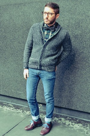 charcoal gray rag &amp; bone cardigan - navy H&amp;M jeans