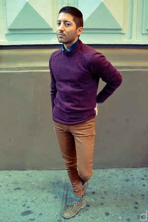 maroon H&M sweater - tan Clarks boots - blue Frank & Oak shirt