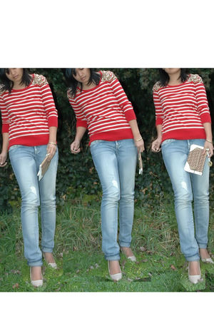 red jumper - blue jeans - brown bag - beige shoes - yellow bracelet