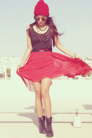 ruby red Romwecom skirt - black H&M boots - black H&M top