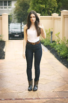 black 2 Bia Vista boots - navy high waisted Claude Maus jeans