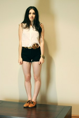 bronze Nylon shoes - white neuw shirt - black Ralph Lauren shorts - camel Peter