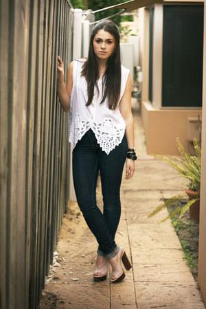nude Casadei heels - navy Nudie jeans - white vintage vest