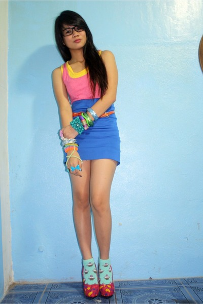 bench socks - Asian Vogue pumps - bench top - Topshop top