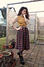 Gold-thrifted-top-ruby-red-american-apparel-skirt