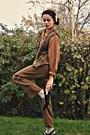 Tawny-vintage-blouse-tan-american-apparel-belt-mustard-eovu-vintage-vest