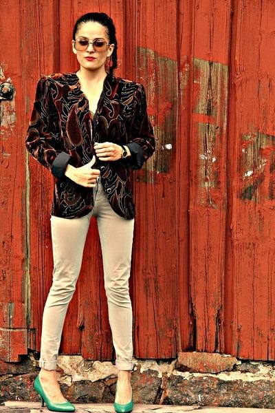 crimson eOvu vintage jacket - aquamarine eOvu vintage heels