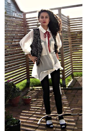 American Apparel blouse - unknown brand socks - shoelace bowtie nike tie