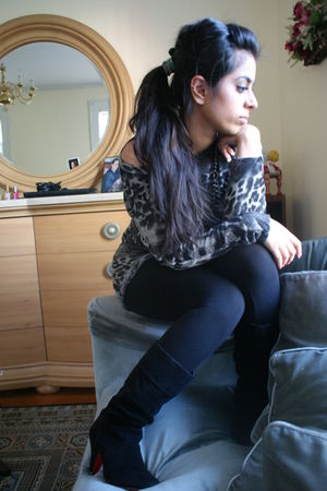 gray Pop culture blouse - black Pop culture tights - black Forever 21 shoes