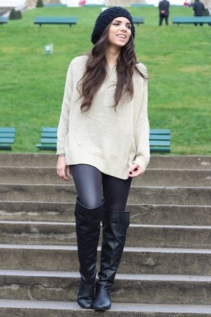 tan causeway mall sweater - black Forever 21 boots - black H&M hat